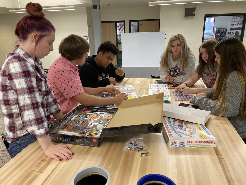 Snap circuits in new collaboration space